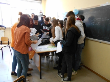 "Liceo ""Leopardi"" Recanati, 3°P (Linguistico) - March 2016"